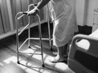 Уход за лежачими больными, советы и рекомендации