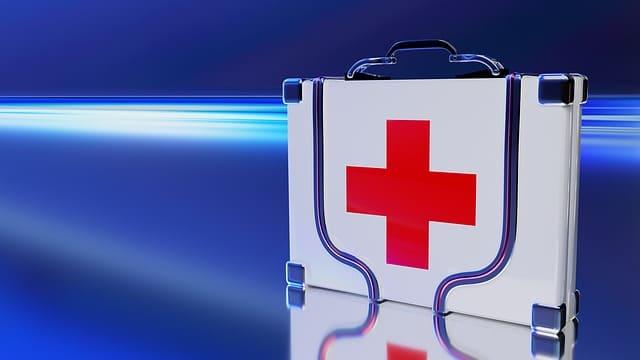 Оказание первой медицинской помощи применяется для спасения жизни человека