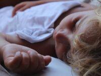 Почему полезно спать на левом боку?